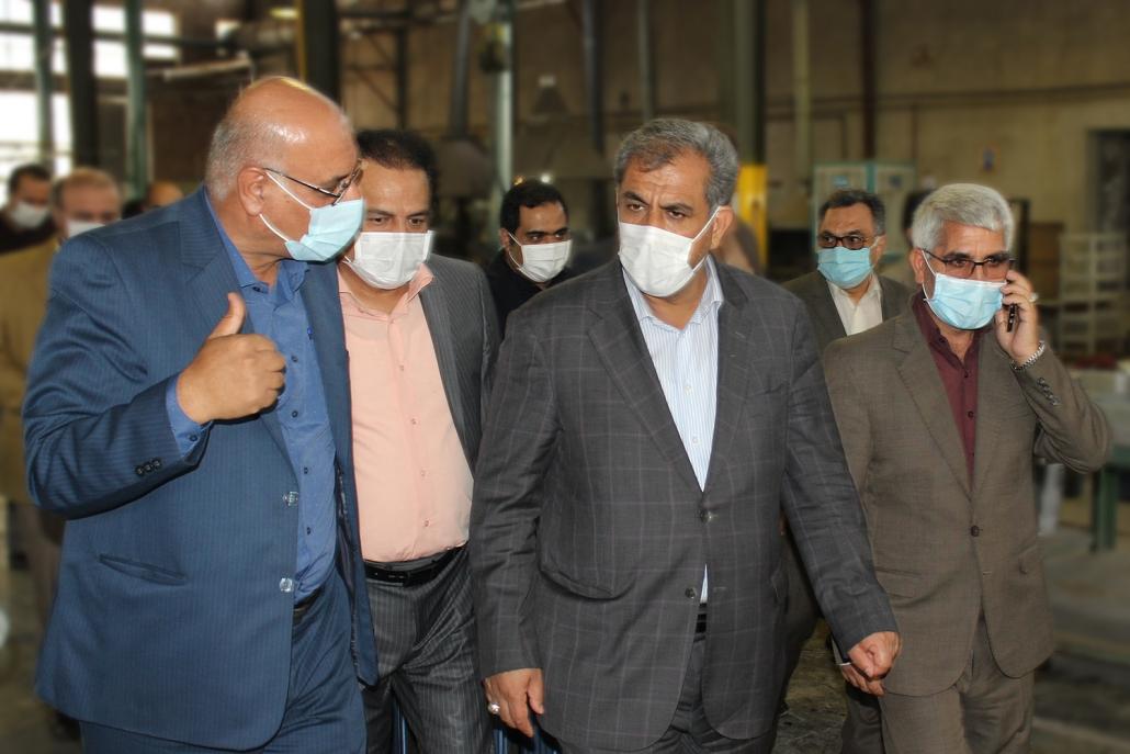 بازدید استاندار قزوین از کارخانه پلاتین ایران